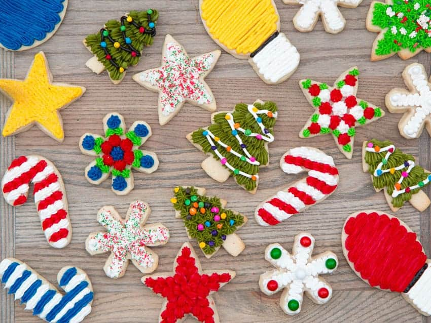 https://iambaker.net/wp-content/uploads/2010/12/christmas-cookies-2.jpg