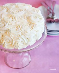 Vertical Layer Rose Cake