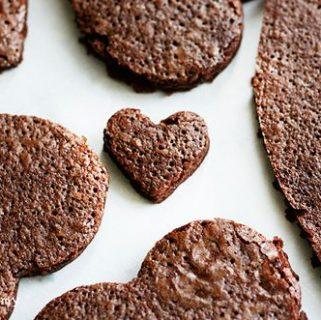 Valentines Dessert for Kids {Brownie Pizza}