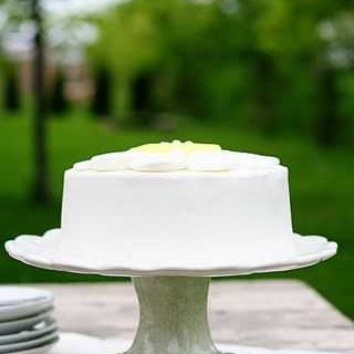 Sugar Cookie Daisy Cake