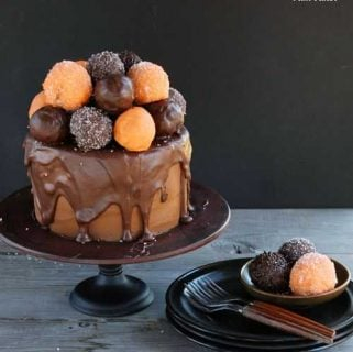 Halloween Cake {with an awesome surprise treat!}