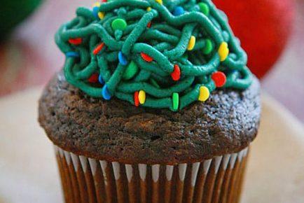 Tangled Christmas Light Cupcakes!