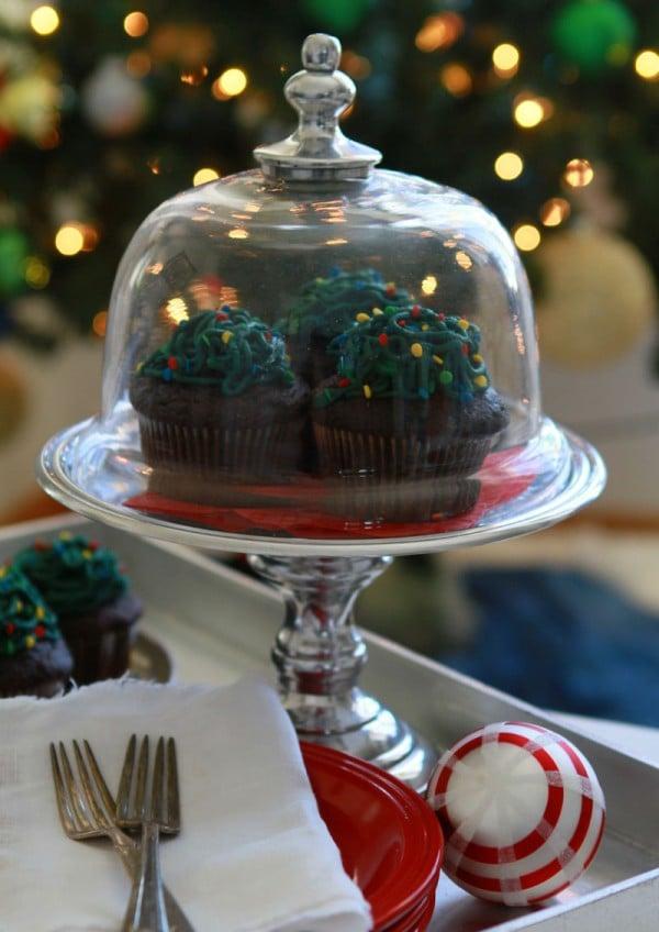 Tangled Christmas Lights Cupcakes on Display