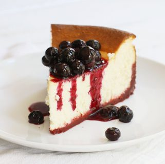 New York Cheesecake with Red Velvet Crust