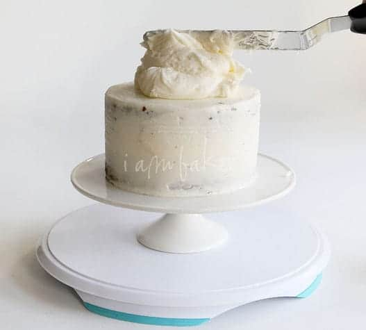 How To Decorate A Two Layer Cake