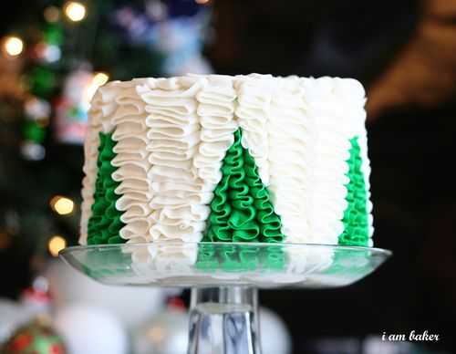 Christmas Tree Ruffle Cake with a Surprise Inside!