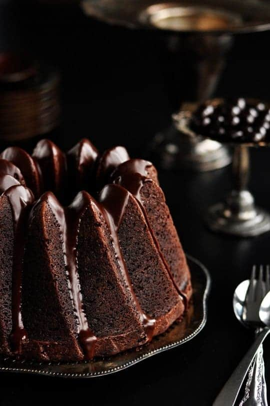 Stunning Chocolate Cake by Sweetapolita.com