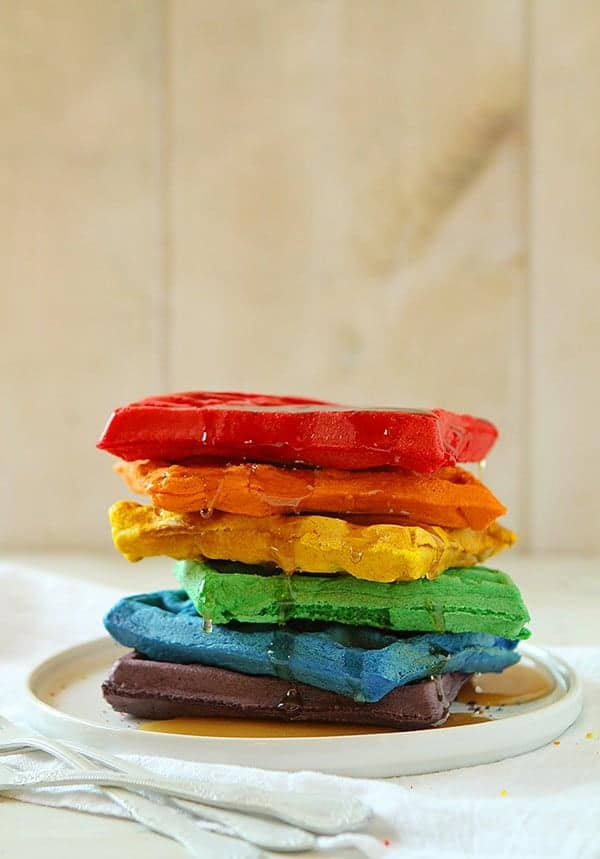 15 Delicious Rainbow Desserts. The Weekly Round Up | The Crafting Nook ...