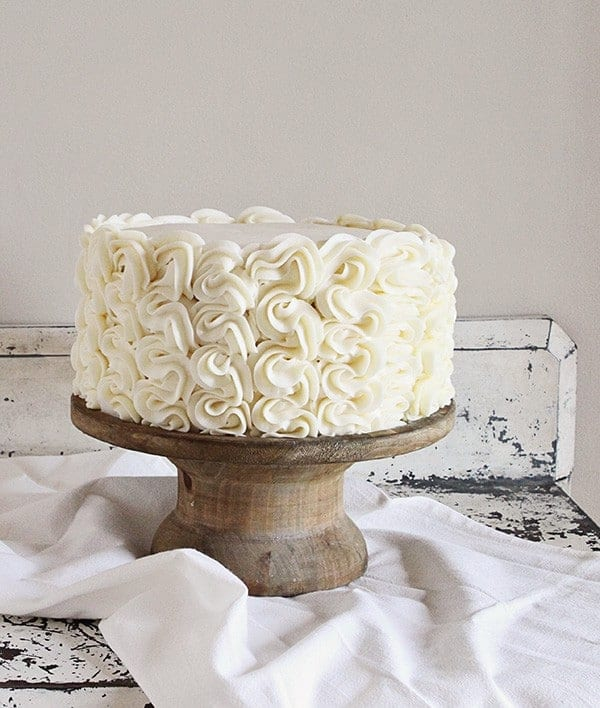 Frilly Cake Decorating: Full tutorial from iambaker.net #frillycake