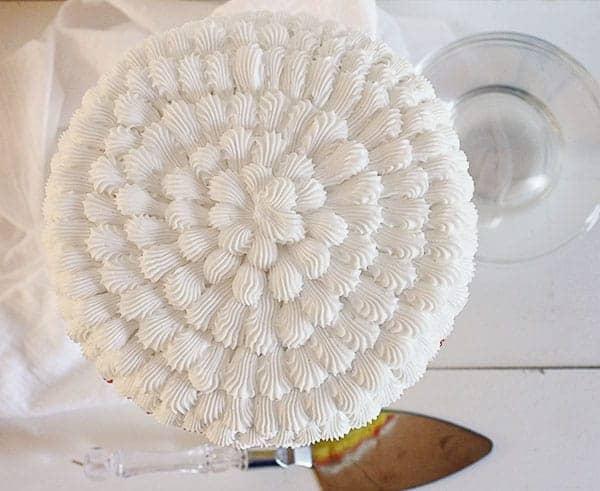 Candy Corn Cake: frosting tutorial #halloween #cakedecorating #buttercream #cake