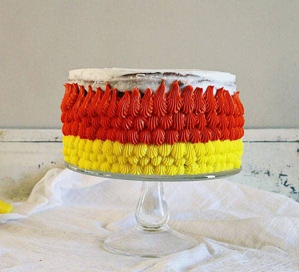 Candy Corn Cake Tutorial: the frosting #cakedecorating #halloween #buttercream #cake