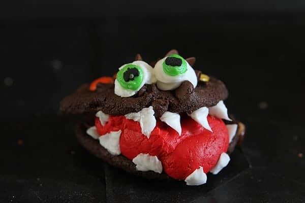 Monster Cake with Monster Cookies {Cookie Decorating Tutorial} #halloween #cookies #cake