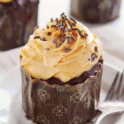 Chocolate Pumpkin Cupcakes with Pumpkin Whipped Cream #cupcakes