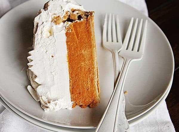 Pumpkin Pie Rose Cake!  A great way to jazz up pumpkin pie!