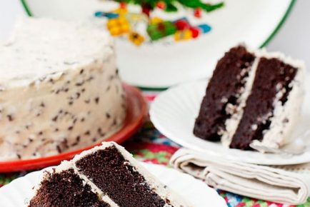 Chocolate Cake with Kahlua Frosting #foodstylingchallenge