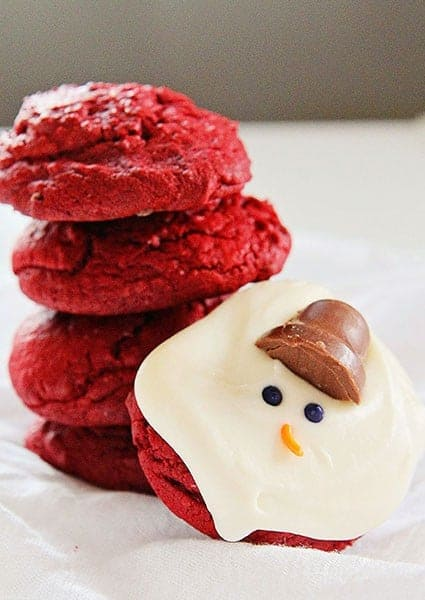 Red Velvet Melting Snowman Cookies!