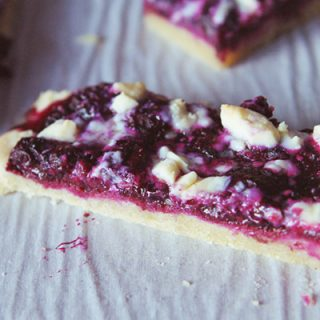 rustic blueberry tart with white chocolate
