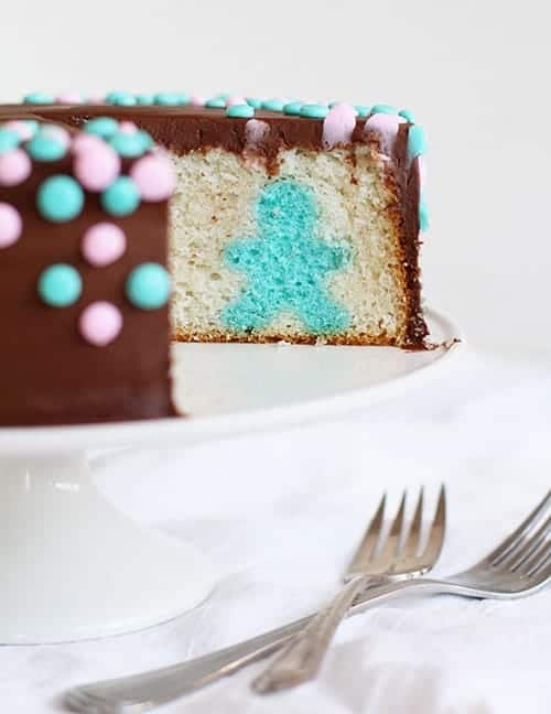 Gender Reveal Surprise-Inside Cake!