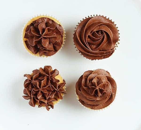 Four Easy Ways to Frost a Cupcakes with an Open Star Tip! #chocolate #buttercream #cupcakedecorating