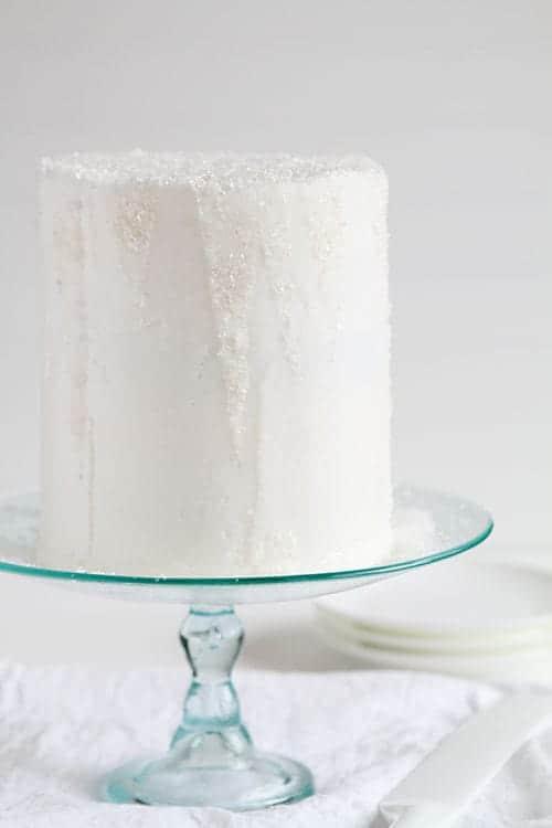 "Disney's ""Frozen"" Inspired Layer Cake! #frozen #elsaandanna #elsacake #annacake #layercake"