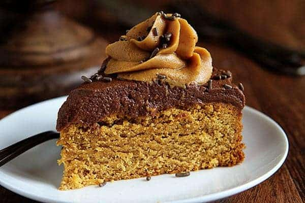 Peanut Butter Cake with Rich Chocolate and Peanut Butter Frosting! #peanutbuttercake #cake
