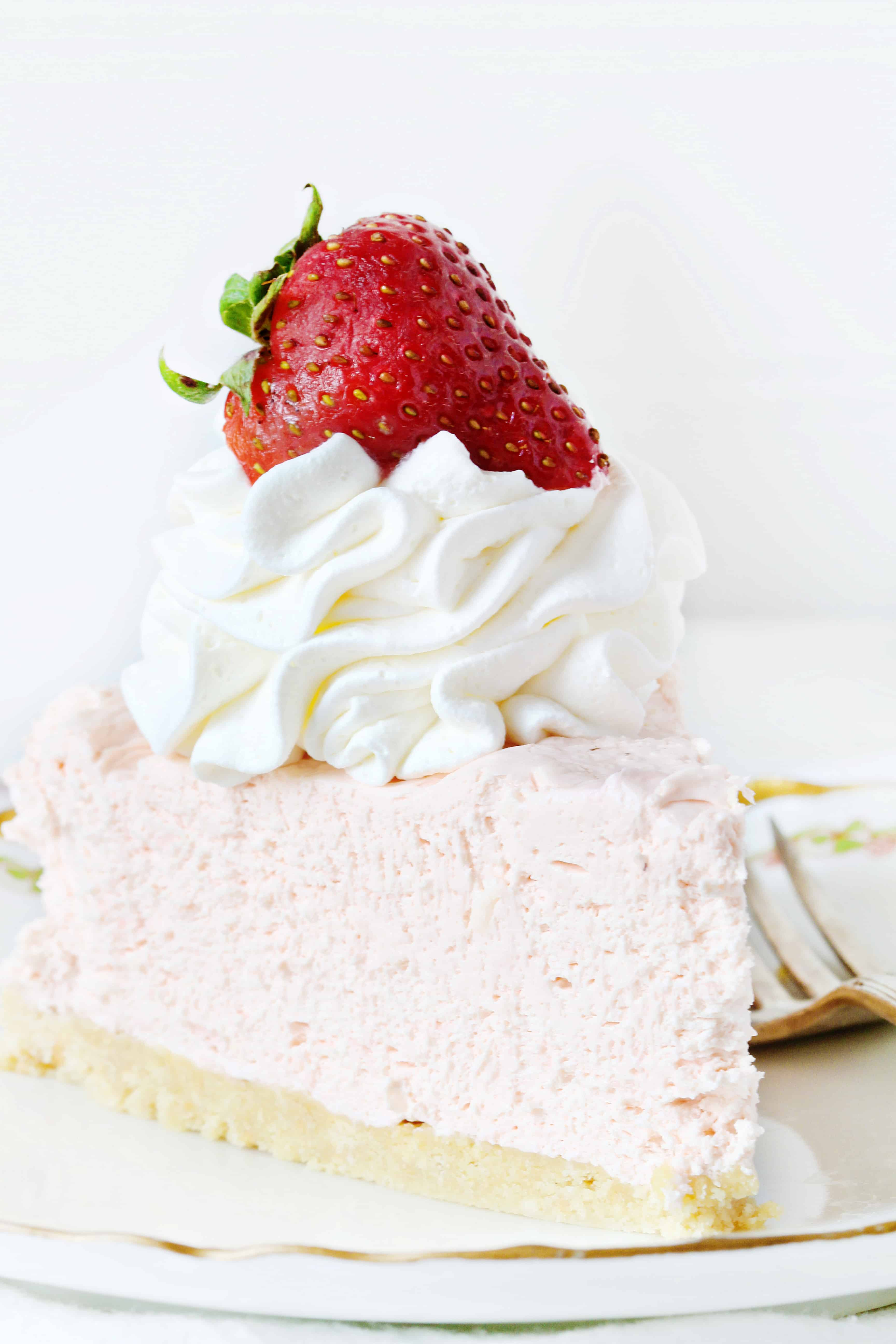 Easy NoBake Strawberry Cheesecake