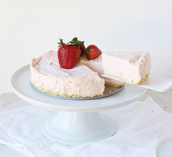 No Bake Strawberry Cheesecake #summerdessert #strawberry #cheesecake
