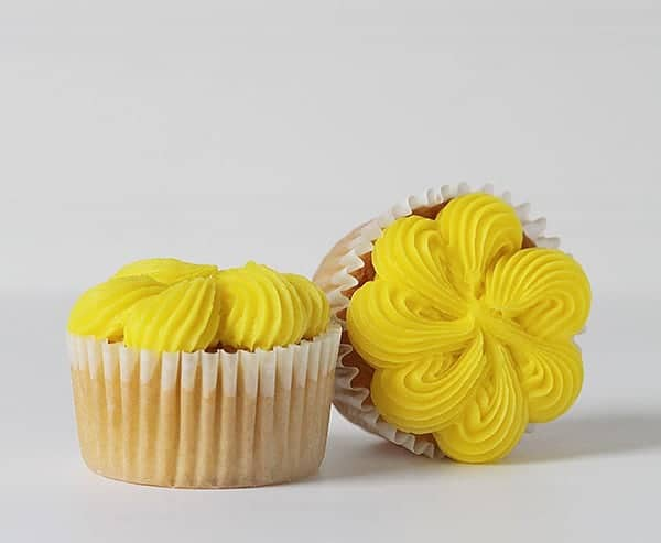 Four Cupcake Decorating Techniques With A Large French