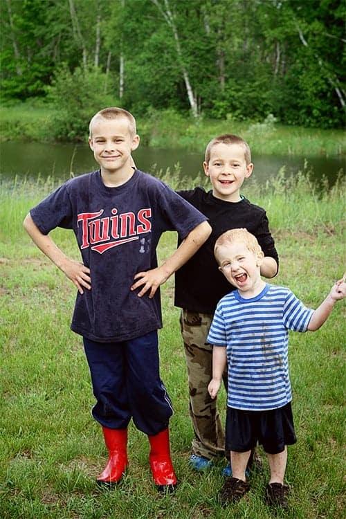 Colton, Parker & Eddie in driveway 2014
