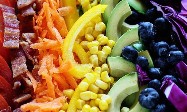 grilled chicken rainbow cobb salad
