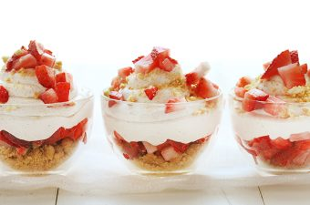 """Strawberry """"Shortcake"""" Mousse in a Cup! Easy no-bake dessert!"""