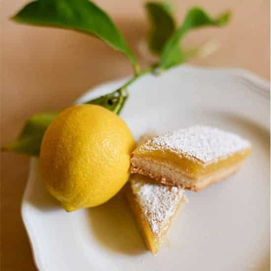 Classic Lemon Bars Recipe - i am baker