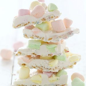 White Chocolate Krispy Marshmallow Bark!