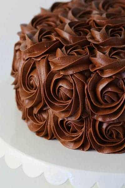 Cake Decorating Chocolate Frosting : whipped chocolate buttercream frosting - i am baker