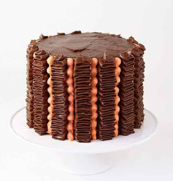 How to Pipe a Ruffle & Dot Cake