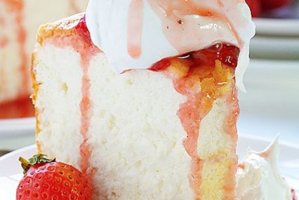 Angel Food Cake with Roasted Strawberry Sauce