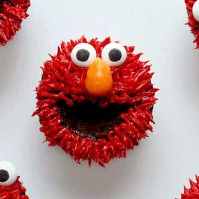 How to Pipe Elmo in Buttercream (video)