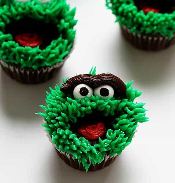 Oscar the Grouch Cupcakes!
