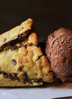 Ice Cream Cone made from Chocolate Chip Cookie! (video)
