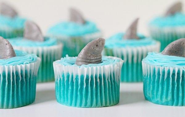 Shark Fin Cupcakes! (video)
