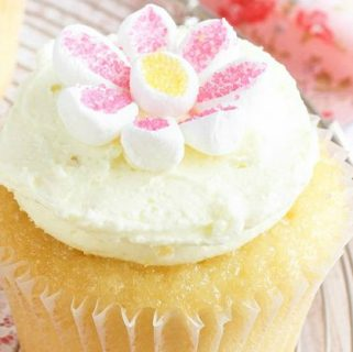 May Flower Lemon Cupcakes