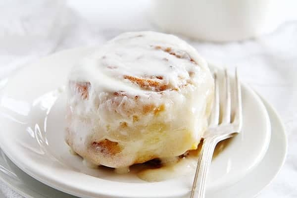 Pumpkin Cinnamon Rolls with Whipped Cream Cheese Frosting