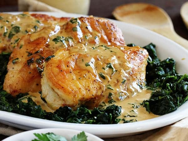 Perfect & Easy Chicken Florentine! A great way to add some flavor to ...