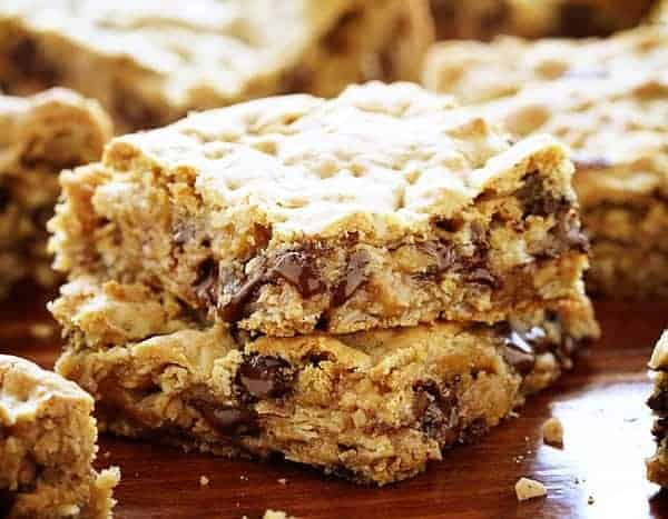 http://iambaker.net/wp-content/uploads/2015/11/Chocolate-Oatmeal-Bars.jpg