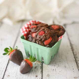 Chocolate Covered Strawberry Cookie