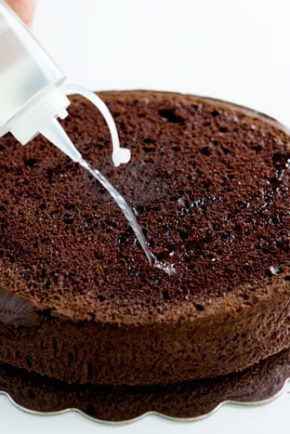 How to make sure your cake is moist and delicious EVERY single time!