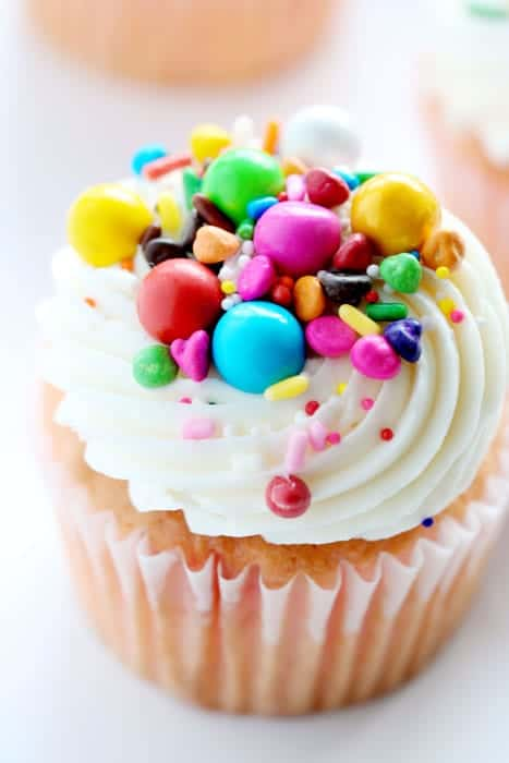 How to decorate cupcakes with delicious Sixlets candies!