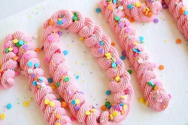 http://iambaker.net/wp-content/uploads/2016/05/mothers-day-cake-650x434.jpg