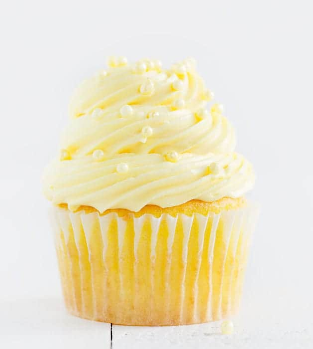 Easy Lemon Cupcakes with Lemon Buttercream - i am baker