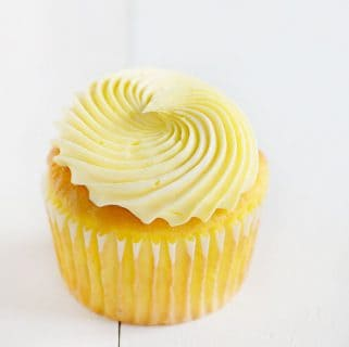 Easy Lemon Cupcakes with Lemon Buttercream